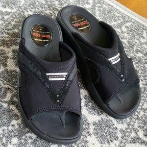 Skechers Tone-ups sz 7 Black